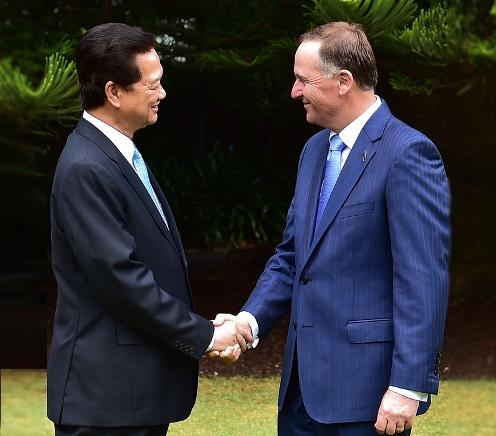 Thủ tướng New Zealand John Key chào đón Thủ tướng Nguyễn Tấn Dũng. Ảnh: VGP/Nhật Bắc