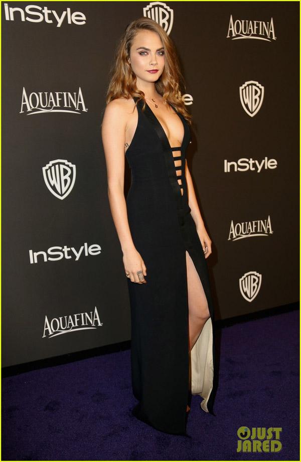 Cara cũng lựa chọn chiếc váy cut-out táo bạo màu đen nhằm khoe vóc dáng chuẩn của mình.