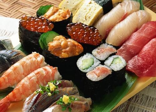 Nên lựa chọn thực phẩm tươi, chú ý đến điều kiện vệ sinh hàng quán để phòng nguy cơ tiêu chảy