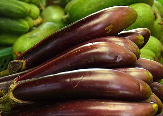 Món cà tím hấp tỏi giúp giảm cholesterol, bảo đảm tính đàn hồi mạch máuẢnh: Tấn Thạnh