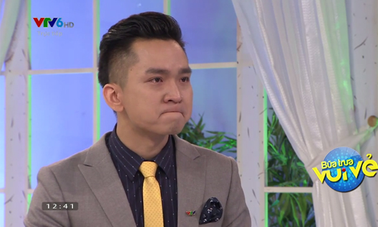 MC Hạnh Phúc và MC Thanh Huyền rơi nước mắt tại Bữa trưa vui vẻ - Ảnh 1.