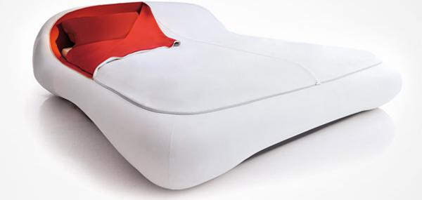 Chiếc giường khóa kéo này sẽ giúp bạn giữ được chăn gối sạch sẽ bên trong.