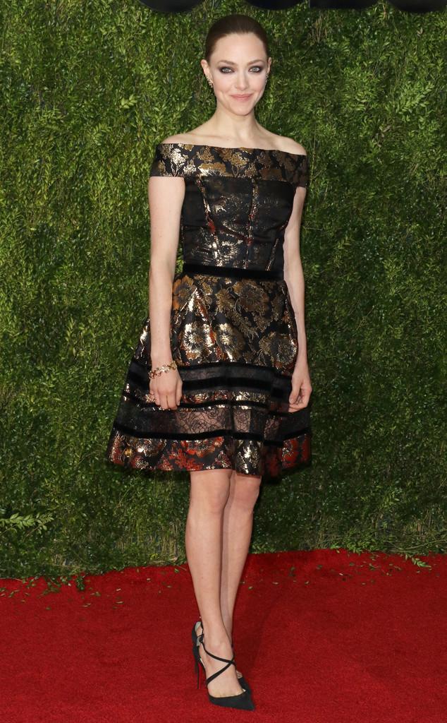 Amanda Seyfried sang trọng với thiết kế váy của Oscar de la Renta.