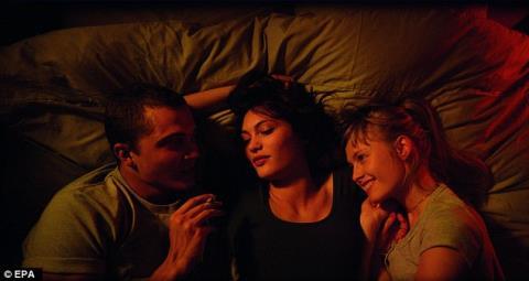 Love được gọi là bộ phim... hiền lành của đạo diễn lắm chiêu trò Noe.