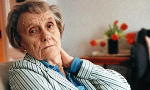 Nữ văn sĩ Thụy Điển Astrid Lindgren, tác giả tiểu thuyết Pippi Tất dài.