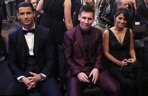 Báo Bồ Đào Nha hé lộ nguyên nhân Ronaldo chia tay Irina Shayk 1