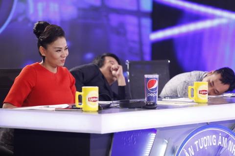 Với các giám khảo Vietnam Idol vòng thử giọng sẽ rất mệt nếu họ phải nghe quá nhiều giọng hát tệ, nhưng không thiếu những giọng ca hài hước giúp họ cười thư giãn.