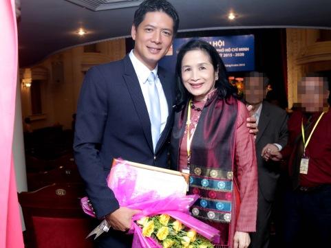 Diễn viên Bình Minh và NSND Trà Giang.