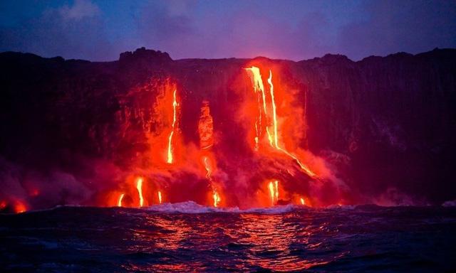 Vườn quốc gia núi lửa Hawaii là môi trường đa dạng từ ngọn núi lửa cao nhất cho đến nơi có mực nước biển thấp nhất. Ảnh: hilton.
