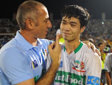 Công Phượng và HLV Graechen Guillaume sẽ có trận đấu đầu tiên tại V-League trước S.Khánh Hòa