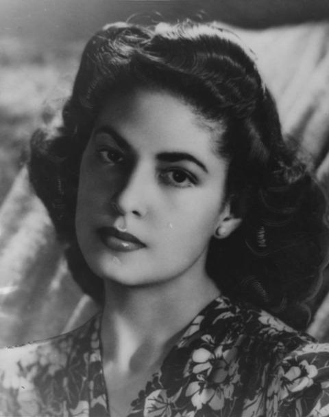 Consuelo Velazquez, tác giả bài hát thế kỷ, Besame Mucho.