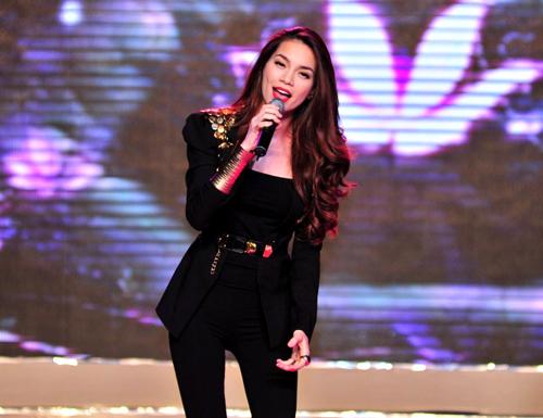 Hà Hồ - Một trong những ngôi sao lấn sân thành công của showbiz Việt