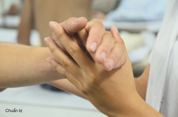 Đông y trị đau khuỷu tay do chấn thương