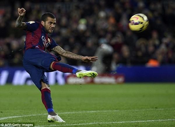 Daniel Alves sẽ hết hạn hợp đồng với Barcelona vào cuối mùa giải này