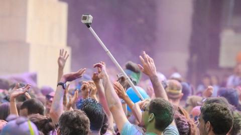 Gậy selfie trong một buổi biểu diễn ca nhạc.