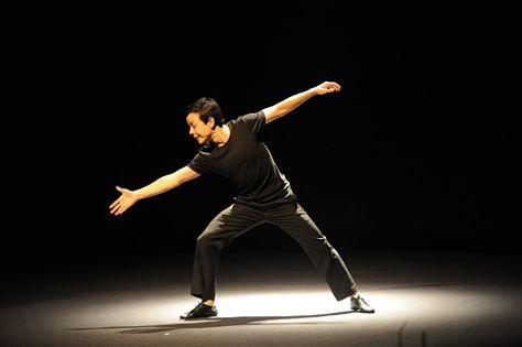 Nghệ sĩ Hoàng Tùng trong một màn Kịch câm trở lại