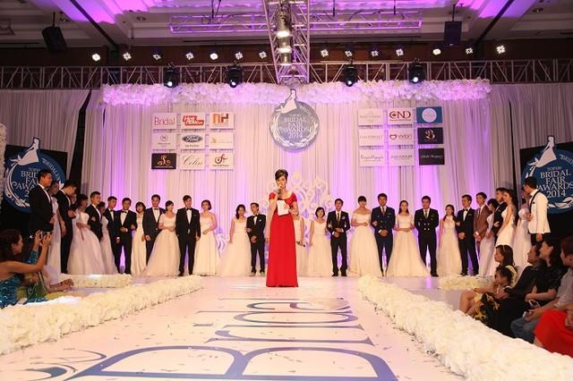 """Năm 2014, hơn 100 cặp đôi đã tham gia cuộc thi """"Cặp đôi và cô dâu của năm"""" trong khuôn khổ triển lãm Bridal Fair (Ảnh: Trí Thức Trẻ)"""
