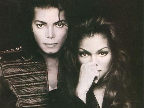 Janet Jackson bên người anh Michael.