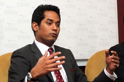 Bộ trưởng Thanh niên – Thể thao là ông Khairy Jamaluddin