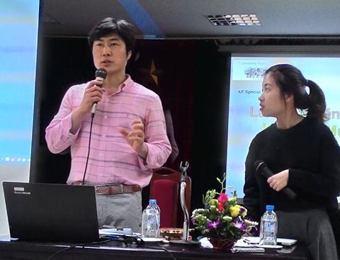 Ông Kim Ho Sang trong buổi thuyết trình tại Hà Nội. Ảnh: Mi Ly.
