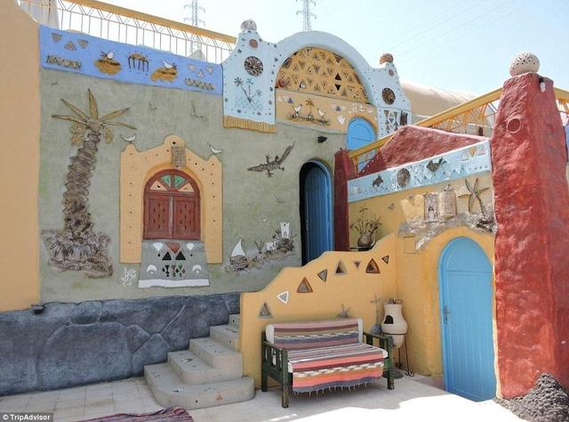 Nhà nghỉ nằm dọc bên bờ sông Nile gây ấn tượng với màu sắc tươi trẻ