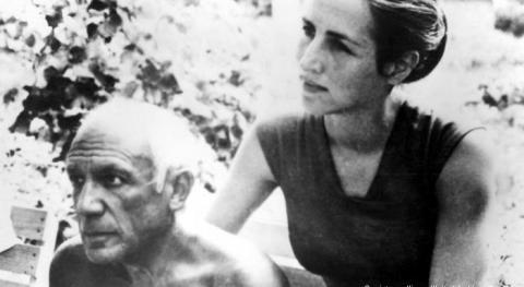 Nữ họa sĩ Francois Gilot và danh họa Picasso thời hạnh phúc.