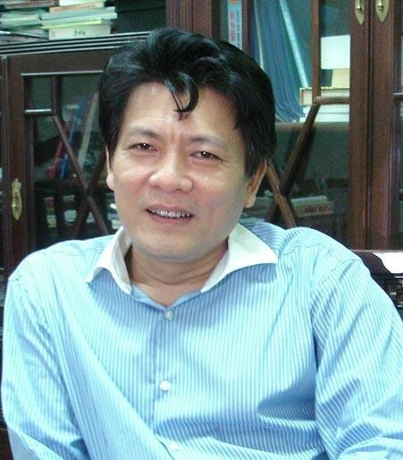 NSƯT Quang Vinh - Giám đốc Nhà hát Ca Múa Nhạc Việt Nam, tổng đạo diễn chương trình.