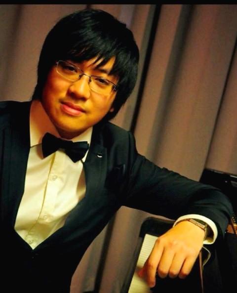 Nghệ sĩ Lưu Hồng Quang.