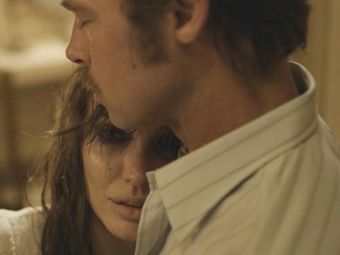 By The Sea là phim thứ ba Angelina Jolie ngồi ghế đạo diễn.