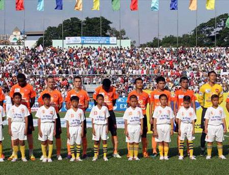 Lấy bóng đá nuôi bóng đá nhờ thu hút khán giả đến xem V-League