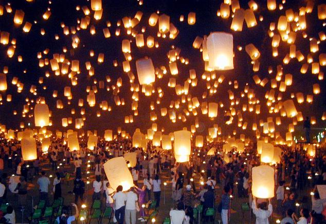 Vì lý do an ninh, một số sân bay Thái Lan phải hủy chuyến hoặc hoãn chuyến trong mùa lễ hội