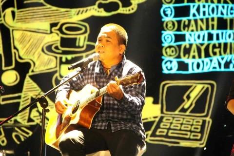 Ca sĩ, nhạc sĩ Trần Toàn K300.