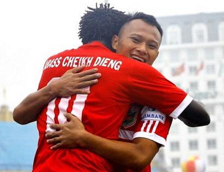 Trọng Hoàng đã có 2 bàn thắng sau vòng đấu đầu tiên của V-League