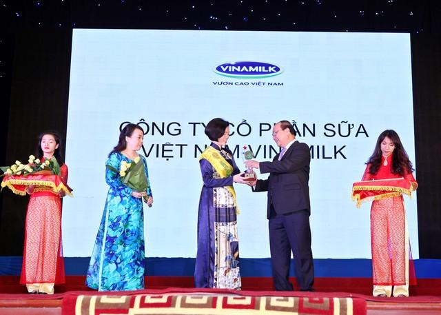 Vinamilk đón nhận giải thưởng top 20 Thương hiệu vàng Việt Nam