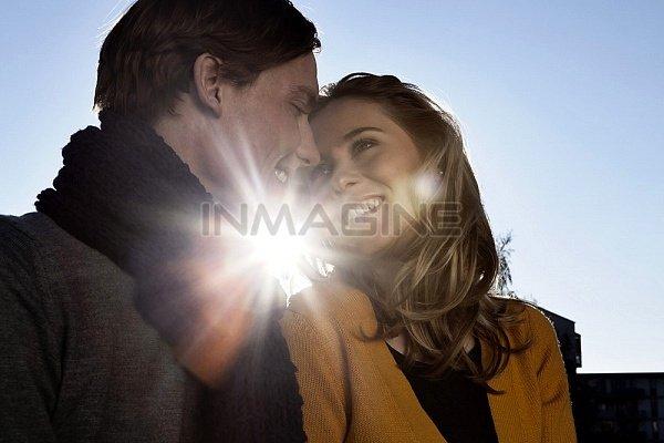 Ký ức về những khoảnh khắc hạnh phúc quý giá giữa hai người có thể là một chất xúc tác kéo hai người trở lại với nhau. (Ảnh minh họa)