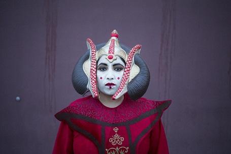 Fan hóa trang thành Nữ hoàng Amidala ở thành phố Sunnyside, bang Washington, Mỹ.