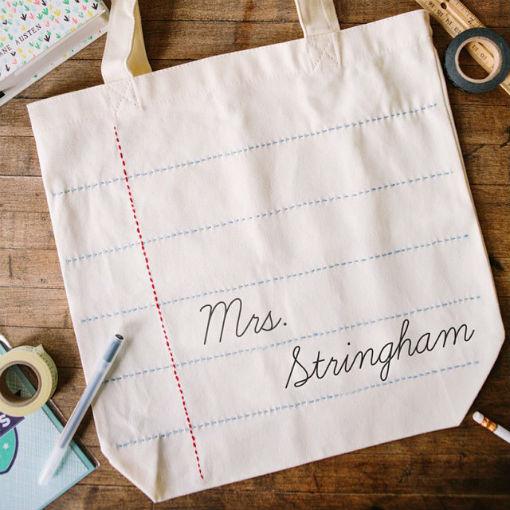 Túi đeo handmade được lấy ý tưởng từ hình ảnh trang vở