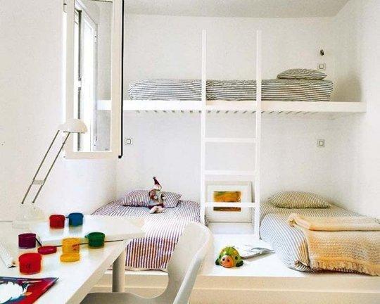 Những gia đình đông con có thể tham khảo giải pháp sắp xếp nội thất giống căn nhà này