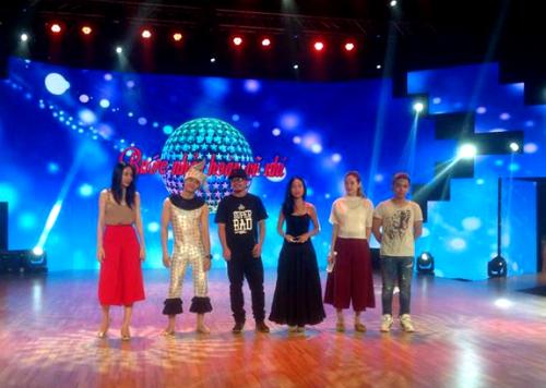 Các giám khảo tham gia buổi tổng duyệt đêm Chung kết.