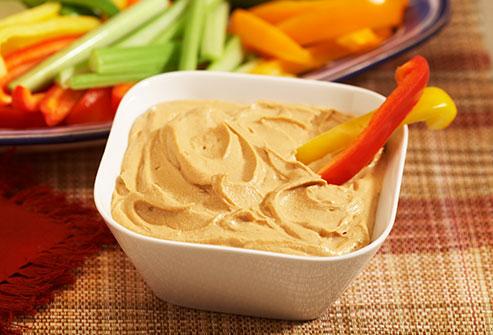 Hummus và ớt chuông đỏ
