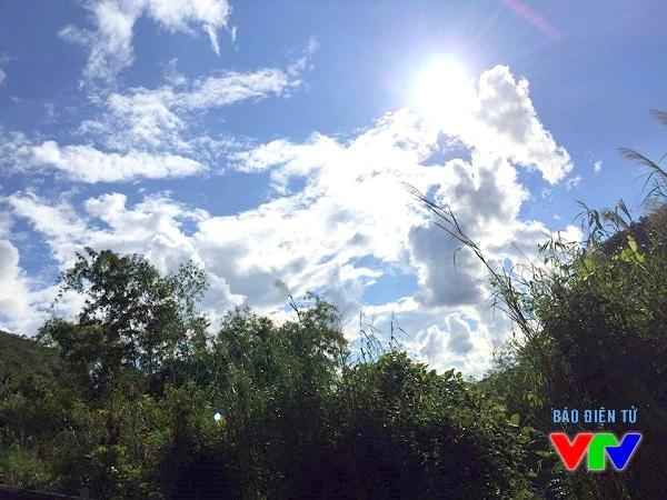 Không khí trong lành, bầu trời trong xanh là thời điểm lý tưởng để thăm thú Mộc Châu