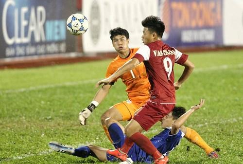 Ghi được 4 bàn vào lưới Thái Lan song Văn Thành và các đồng đội vẫn cần cải thiện khả năng dứt điểm