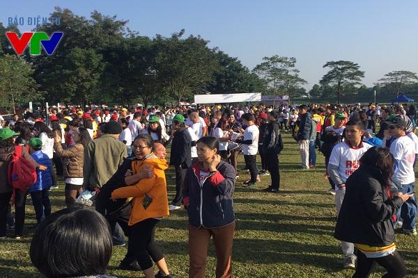 Theo ban tổ chức, có khoảng 7000 người tham gia vào ngày hội từ thiện Chạy vì trái tim 2015