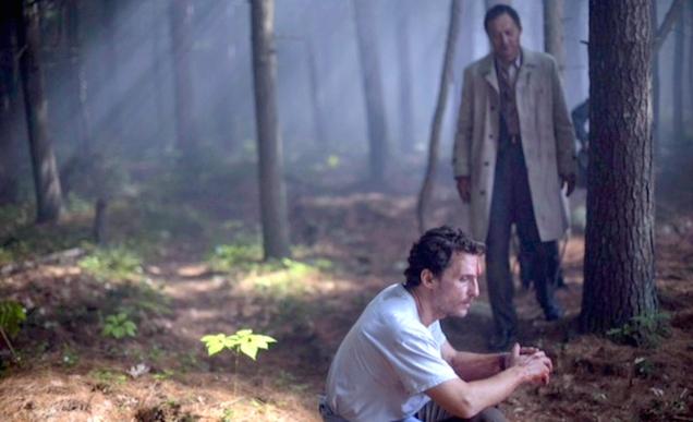 Matthew McConaughey và Ken Watanabe trong bộ phim nghệ thuật The Sea of Trees