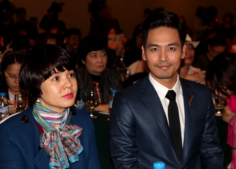 MC Diễm Quỳnh và MC Phan Anh đồng hành cùng Maggie Q