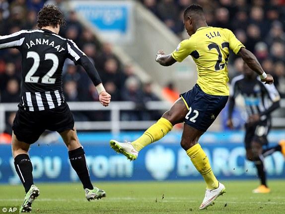 Tân binh Elia đã có một ngày thi đấu xuất sắc, giúp Southampton giành trọn vẹn 3 điểm trước Newcastle.