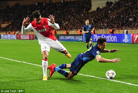 Arsenal trình diễn một bộ mặt hoàn toàn khác tại sân Monaco, tuy nhiên, kết quả vẫn không như ý.