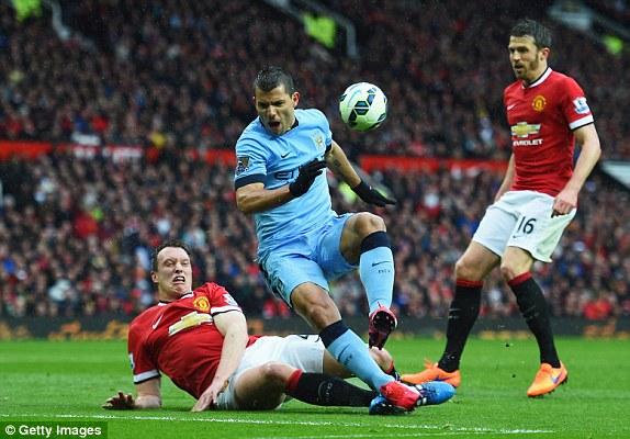 Man City và Man Utd cạnh tranh quyết liệt cho vị trí thứ 3
