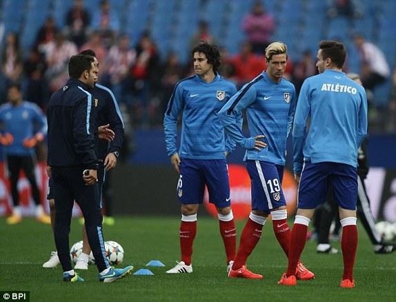 Bên kia chiến tuyến, sự trở lại của Mandzukic khiến cho Torres bị đẩy lên băng ghế dự bị.