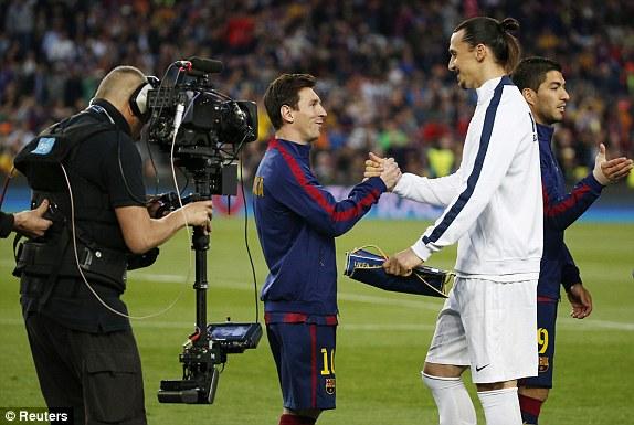 Ở chiều ngược lại, PSG đã có thể sử dụng trở lại chân sút chủ lực Ibrahimovic. Đây là trận đấu khá đặc biệt với cá nhân Ibrahimovic bởi Camp Nou cũng ghi dấu nhiều ký ức không vui của chân sút người Thụy Điển.